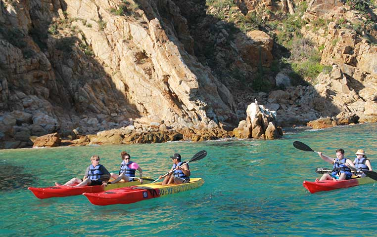 Kayaking at Lovers beach in Cabo San Lucas close by the Arch